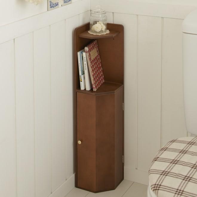 こだわりトイレの木製コーナーラック ロー 高さ75cm (ウ)ダークブラウン わずかなスペースで収納と飾り棚を手軽にプラス。カントリー調のお手洗いにもぴったり。
