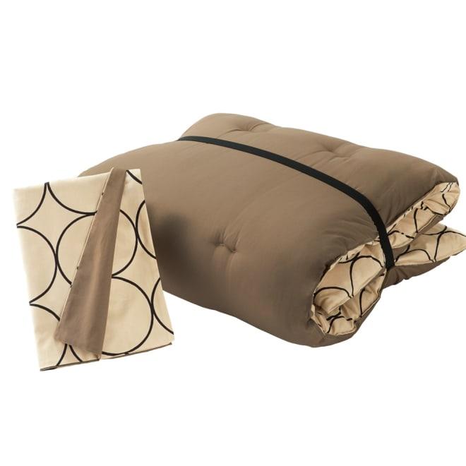 寝心地こだわりごろ寝布団 洗える専用カバー付きセット 本体と同色・同柄の洗えるカバーも、収納用のゴムバンド付きです。