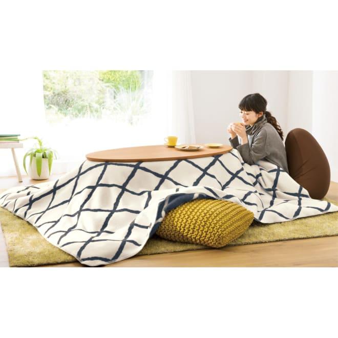 【正方形】190×190cm・こたつ掛け毛布(ウール・コットン「ジオメトリック」) (ア)モノトーン 表面 こたつ掛け毛布