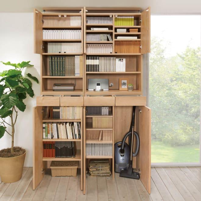 天然木調 掃除機もしまえる本棚 幅80本体高さ230cm 使用イメージ(イ)ナチュラル ※写真の天井高さ240cm