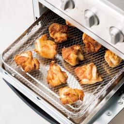 クイジナート エアフライオーブン トースター 特典なし 【エアフライモードで油なし調理を!】「唐揚げもポテトも、揚げずに本当にサクサク。これは驚きです!」 市販のからあげ粉をまぶすだけ!鶏肉なら1度にモモ肉約2枚分調理可能です。余分な油は下のトレーに落ちてヘルシー。