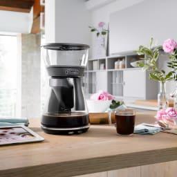 デロンギ ドリップコーヒーメーカー クレシドラ 国内外で評価されている美しいデザイン。