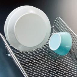 ハナウタ 皿を縦にも横にも置ける水切り 山型の突起がストッパーとなるので縦にも横にも皿が立ちます!