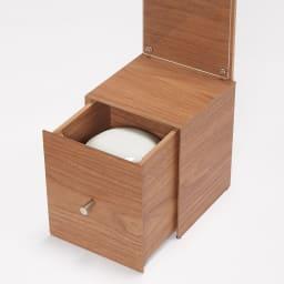 ペットメモリアルボックス 引き出しに骨壺が入れられます。首輪やおもちゃなどの思い出の品なども入れられます。