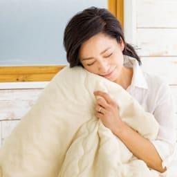 ふわふわ今治タオルの寝具シリーズ 掛け布団 「ふかふかでいい気持ち。この上質タオルの風合いを、長いシーズン使えるのは魅力的です」