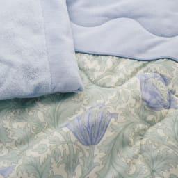 V&A アネモネ柄シリーズ 洗える肌掛け布団 シングル (イ)ブルー 肌掛け布団は衿元・裏面にソフトでなめらかな綿のパイル地仕様。