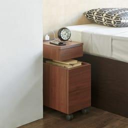 高さが調節できるナイトテーブル 幅35cm (ウ)ダークブラウン≪高さ53cmの時≫ ※写真は幅25cmタイプです。