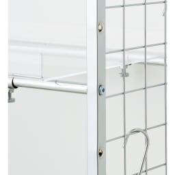 まるでホテル 透き通る棚板のスタイリッシュランドリーラック 棚2段・バスケット2個 棚の高さは7cmピッチで調節可能(棚板幅60cm)。