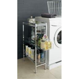 スタイリッシュサイドラック 幅27.5cm 洗剤や洗濯ばさみを収納。快適な洗濯タイムをサポートします※写真は幅22.5cmタイプです。
