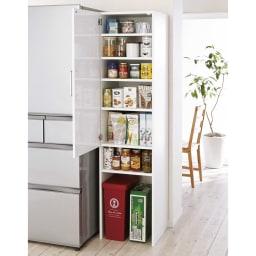 ゴミ箱上を活用できる下段オープンすき間収納庫 幅30cm (左開き取付時)※写真は幅45cmタイプです。