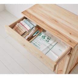 国産杉の頑丈キッチンラックシリーズ 収納庫 幅72cm こまごまとした食品ストックやキッチン雑貨の収納に便利な引出し付き。
