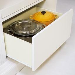 幅1cmオーダーオールインワン引き戸シリーズ 家電収納タイプ 板扉 幅100~110cm 引き出し最下段には背の高いものも収納可能。