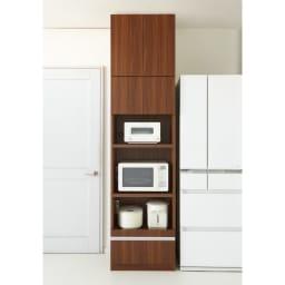 食器もストックもたっぷり収納!天井ぴったりキッチンシリーズ 食器棚 幅60cm奥行45cm 色見本(ウ)ダークブラウン ※写真はレンジボード幅60cm+上置き幅60cmです。
