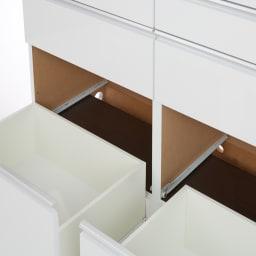 幅オーダー光沢カウンターシリーズ 扉引き出しタイプ ロータイプ(高さ87cm) 幅80~160cm(幅1cm単位オーダー) 家電のコードは、カウンターの背面を通して本体横から逃がせます。見た目もすっきり簡単に配線できます。