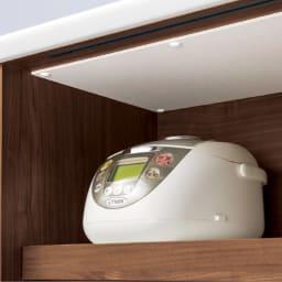 大型引き戸ハイカウンター 幅120cm 家電の蒸気に強い調湿素材・モイスを使用。