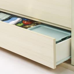 引き出し付きガラス引き戸カウンター下収納 幅90cm 小物類がしまえる便利な引き出し付き。