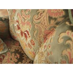 イタリア製 花柄が艶やかな金華山織張 クラシックDXソファ シングル(1人掛け) 背もたれのパイピング(縫い目のライン)も立体感のある仕上げ。美しさに妥協のないイタリア人のセンスで仕上げた逸品。
