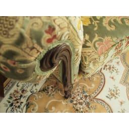 イタリア製 花柄が艶やかな金華山織張 DXソファ ラブ(2人掛け) 肘までの高さは約69cm。ゆったりとお使いいただけます。