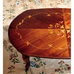 イタリア製象がんシリーズ リビングテーブル 幅117.5cm 細やかな花模様が、リビングを明るく上品に演出します。