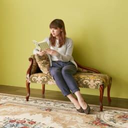 イタリア製金華山織DXソファ カウチソファ 肘掛にもたれて、ゆったりと座ることが出来ます。