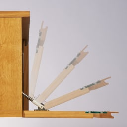 オーク天然木北欧風 テレビ台 幅120cm 扉はソフトダウンステーでゆっくり開閉します。