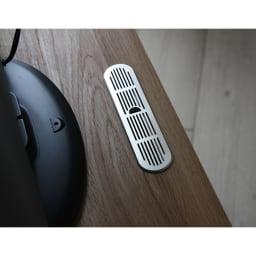 天然木調お掃除がしやすいコーナーテレビ台 幅90cm 天板後方には配線用の穴があります。