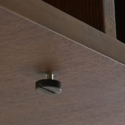 曲面加工のラウンドシェルフシリーズ テレビ台1段3連 幅165cm 高さ21cm脚なしタイプ アジャスターは約1cmの高さ調整が可能です。