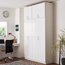 鍵付き本棚ロータイプ 幅80奥行35高さ87cm 使用イメージ:(ア)ホワイト ※写真はハイタイプと高さサイズオーダー上置き(別売り)を使用しています。