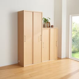 掃除機もしまえる引き戸本棚 ハイタイプ(幅74高さ180cm) 使用イメージ:(ウ)ナチュラル ※お届けの商品は左側の幅74cmハイタイプです。