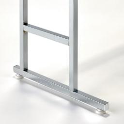 正面向きにも掛けられる薄型ディスプレイハンガー ハイタイプ(ハンガー棚3枚) 幅90高さ196cm 本体25cm、支える脚部は41cmと薄型です。