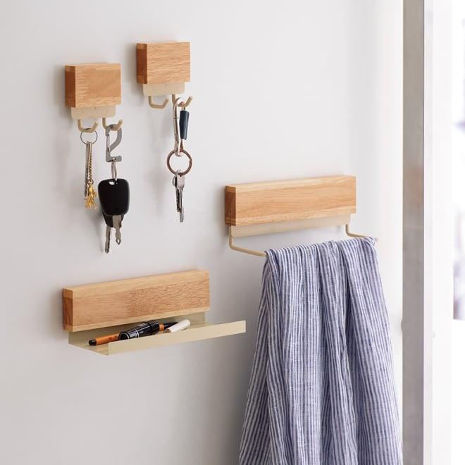 マグネット玄関収納 3点セット デッドスペースなのに、意外と小物収納が欲しくなる玄関先…。ドアにくっつければ解決です!生活感が出すぎない、おしゃれでシンプルなデザインの玄関収納を作りました。