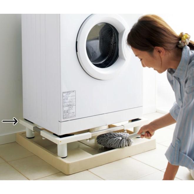 洗濯機底上げ台 洗濯機パンの上に設置すれば、かさ高が上がり掃除が楽になります。 (※お届けは洗濯機置き台のみです。)