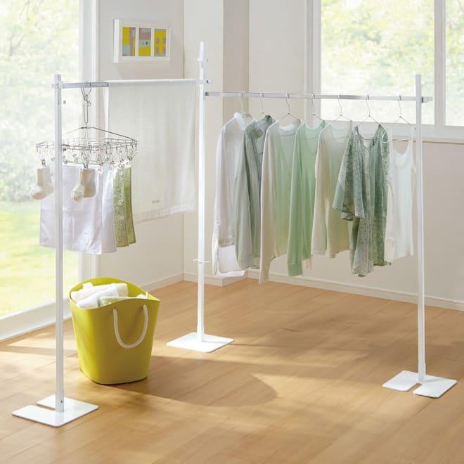 コンパクトに収納 2WAY物干しポールハンガー ダブル お部屋のコーナーを利用して室内干しができるダブルタイプ。太陽の光を浴びながら洗濯物を干すことができます。