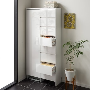 組立不要 棚と引き出したっぷりで仕分け収納できるサニタリー収納庫 ハイタイプ 幅79cm 写真