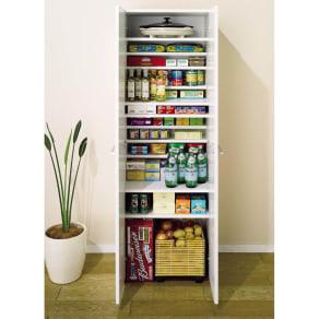 組立て不要 1cmピッチ段違いハーフ収納棚のキッチンストッカー食品収納庫 幅75cm 写真