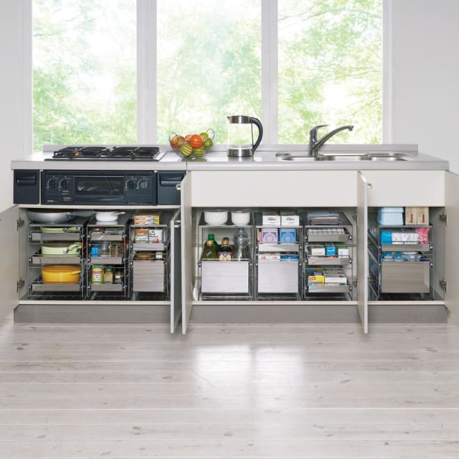 ステンレス製スムーズ引き出しラック 3段 幅25cm 深鍋・片手鍋、フライパン、調味料・スパイス、缶詰・ビン類、タッパー・ペットボトル、食品ストック、ラップや箱物、スポンジ・洗剤などが収納できます。