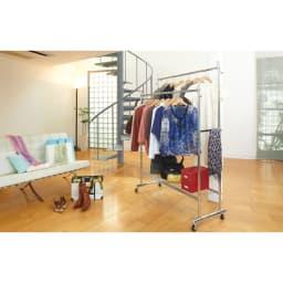 プロ仕様 伸縮頑丈ハンガーラック ダブルタイプ 幅73~92cm 高さも幅も伸縮する頑丈ハンガーです。オシャレ好きで洋服が増えてしまう方におすすめです。※写真はダブルタイプ幅122~152cmです。