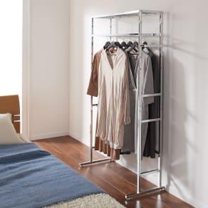 正面向きにも掛けられる薄型ディスプレイハンガー ハイタイプ(ハンガー棚3枚) 幅90高さ196cm 写真