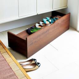 【日本製】下駄箱下木製シューズワゴン ロー(高さ20cm) 幅80cm コーディネート例(ア)ダークブラウン ※写真はハイ幅100cmです。