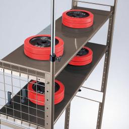 頑丈フレキシブル伸縮ラック 突っ張り式・幅83~125cm 頑丈な棚板だから重たいものを乗せてもたわみにくい仕様です。