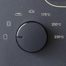 【送料無料】BALMUDA/バルミューダ ザ トースター 使い方は「シンプル」 左のダイヤルで4つの専用モードか温度設定(170℃/200℃/230℃)を選び、右のダイヤルで時間をセット。