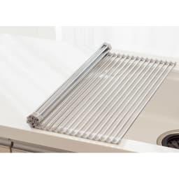 ステンレス製たためる水切り ハーフタイプ 奥行42 食洗機や大容量の水切りと併用される方や、ボウルや割れやすいグラスの洗い置き場にも重宝。(写真はレギュラータイプ)
