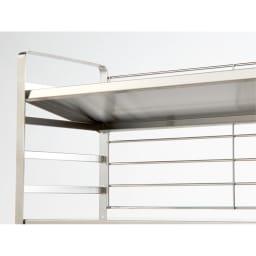 出窓にも使えるオールステンレス製頑丈ラック 幅90cm 棚板は5cmピッチの可動式で、簡単に段を変えられます。