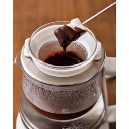 調理もできる温度調整もできるガラスの電気ケトル(クックケトル) チョコレートフォンデュ