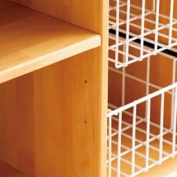 薄型バスケット付きリビングワゴン 棚は6cm間隔・3段階に調節可能。