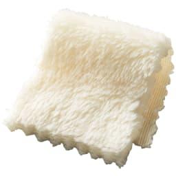 シアバター加工マイクロファイバー掛けカバー (ウ)アイボリー 一般的なマイクロファイバーよりも繊維が細く、子猫の毛並みのようななめらかさ。