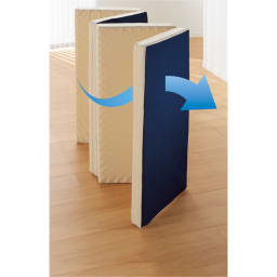 ピタッと収納 4つ折りシステムコンパクトマットレス 上層+下層6cm 下層マットは立掛けてサラッと放湿。毎日気持ちよく使えます。