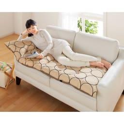 寝心地こだわりごろ寝布団 本体のみ 160cmタイプは、ソファーの上にもオススメです。