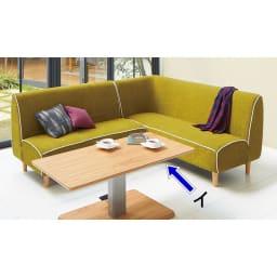 移動がしやすい!キャスター付き昇降式テーブル幅120 オーク材の木目が美しいナチュラル色。
