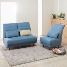 リクライニングソファ2人掛け コーディネート例(イ)ブルー お届けは向かって左の二人掛けソファです。